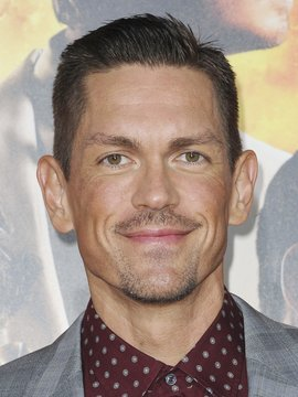 Steve Howey Headshot