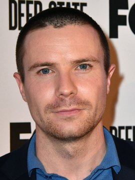 Joe Dempsie Headshot