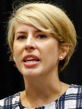 Erin Napier Headshot