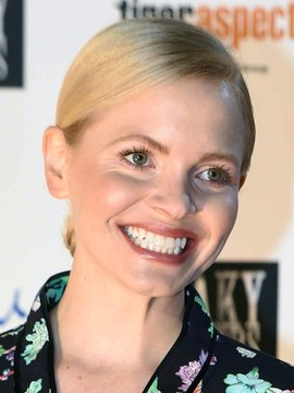 Kate Phillips Headshot