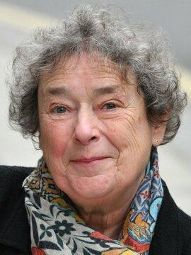 Linda Bassett Headshot