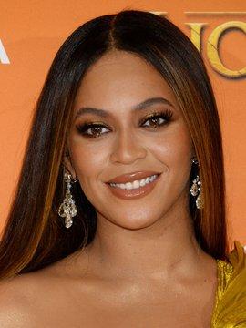 Beyoncé Knowles Headshot
