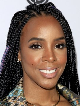 Kelly Rowland Headshot