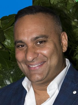Russell Peters Headshot