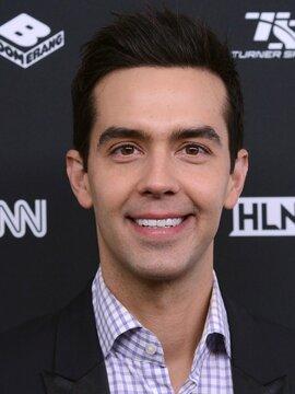 Michael Carbonaro Headshot