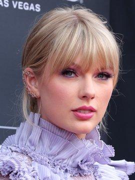 Taylor Swift Headshot