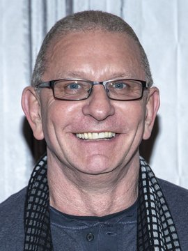 Robert Irvine Headshot