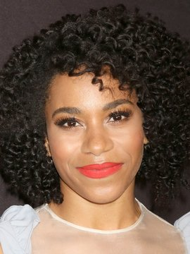 Kelly McCreary Headshot
